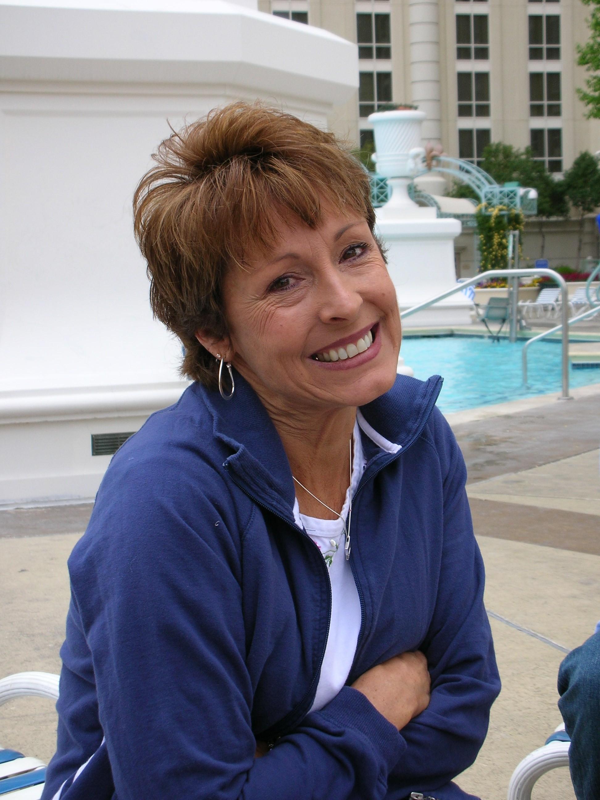 Sally Hohmann Loutt