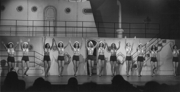 StephGreeleyMusical_1_600x306